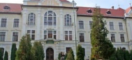 Betettek a románok a magyar gimnáziumnak Marosvásárhelyen.