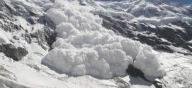 Csíkszeredai motoros szánosokat sodort el a lavina az erdélyi Kárpátok Kelemen Havasokban
