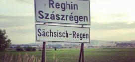 Kétnyelvű táblákat szereltek fel Szászrégen környékén